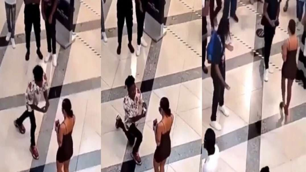 Man left embarrassed after girlfriend rejected his proposal in public and walked away